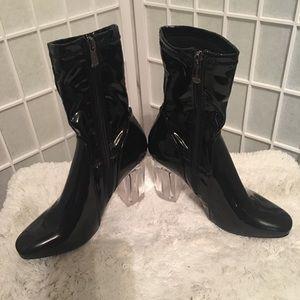 Cape Robbin Ray 1 Acrylic Black Boots Sz 7.5 NWOT